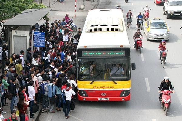 Xe bus là một phương tiện công cộng quen thuộc
